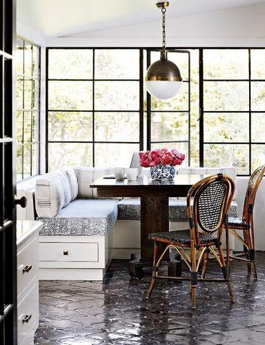 arabesque-tiles-floors