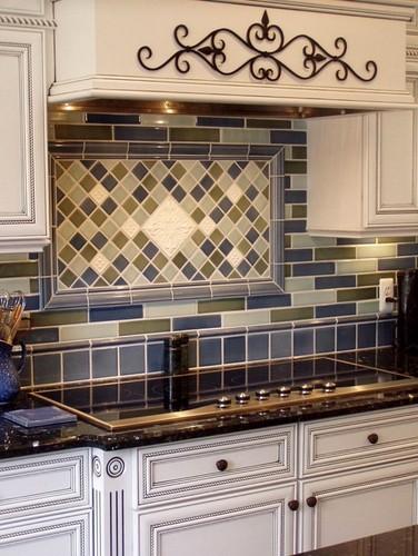 backsplash-same-tiles-pattern