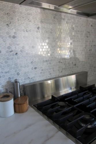 hex-tiles-backsplash-001